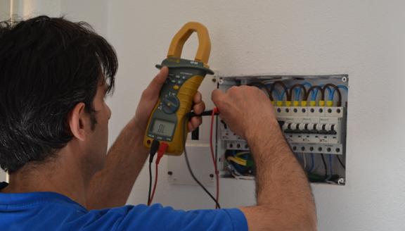 Servicio de electricidad cotidiana de Electricidad a mano